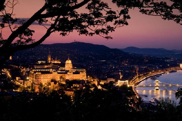 Hungría: Becas para Maestría en Ciencias Políticas School of Public Policy