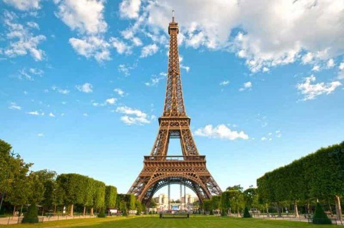 Francia: Beca  Maestría  en Gestión Global de Marcas  ESSEC Business School
