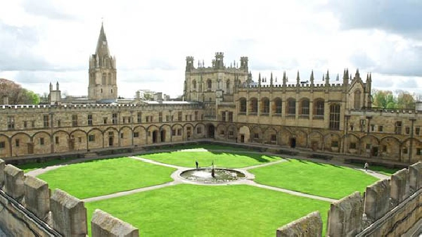 Reino Unido: Becas para Postgrado en Varios Temas University of Oxford