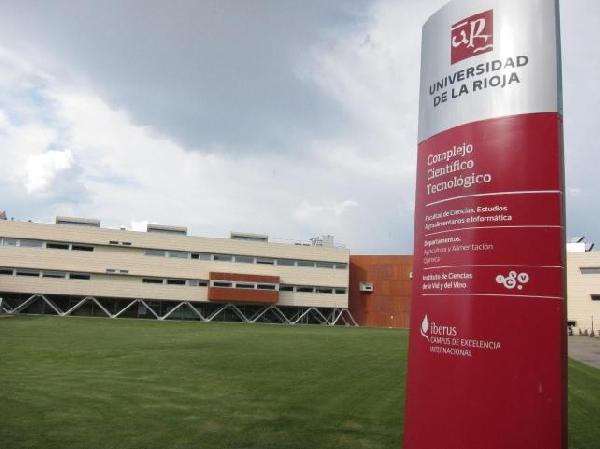 Online: Becas para Licenciaturas en varios temas OEA/Universidad Internacional de la Rioja