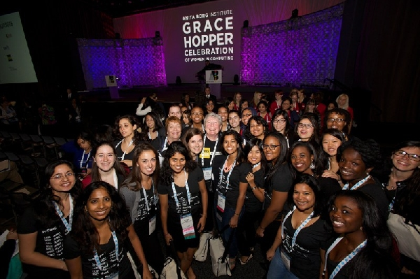 Estados Unidos: Becas Facebook para Mujeres Exitosas en Ingeniería Informática