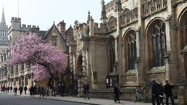 Reino Unido: Becas para Postgrado en Varios Temas University of Oxford