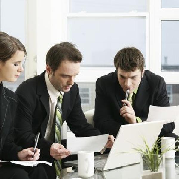 Online: Becas para Máster en Gestión Empresarial Internacional UCM/OEA