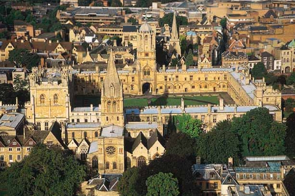 Reino Unido: Becas para Maestría en Varios Temas Oxford University