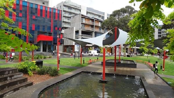 Australia: Becas para Pregrado en Arte y Ciencias Sociales Swinburne University of Technology