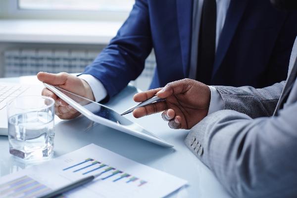Online: Becas para Maestría en Dirección y Asesoramiento Financiero OEA/UNIR