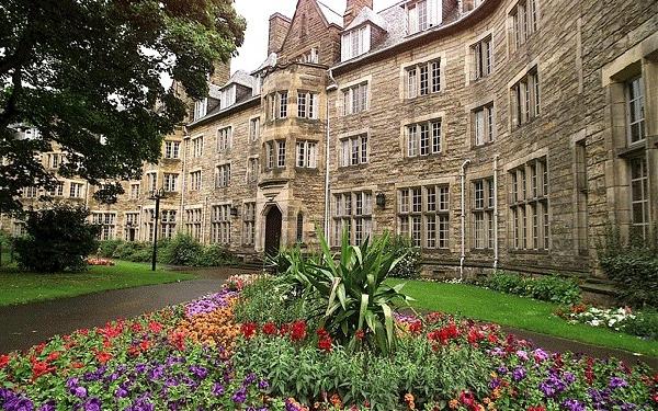Reino Unido: Becas para Pregrado en Varios Temas University of St Andrews