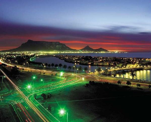 Sudáfrica: Becas para Pregrado en Varios Temas University of Cape Town