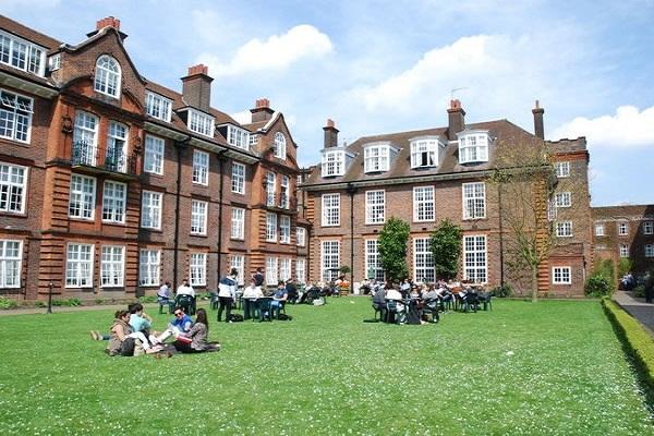 Reino Unido: Becas para Pregrado en Varios Temas Regent´s University London