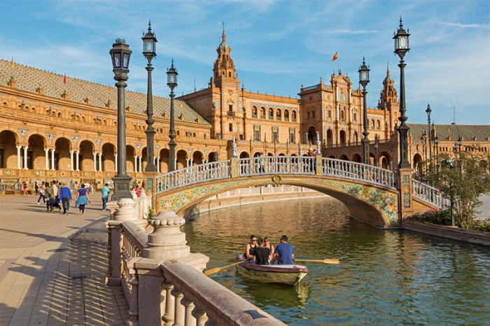 España: Beca Doctorado en Diversos temas ICMAB
