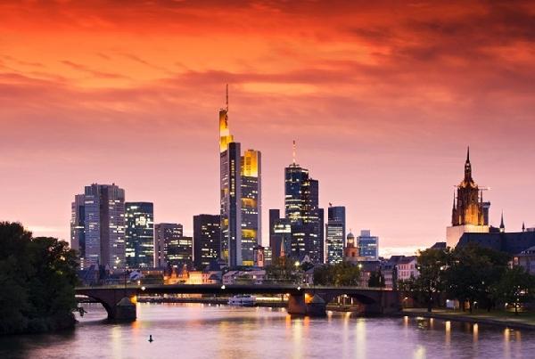 Alemania: Becas para Máster en Gestión Sanitaria Internacional Frankfurt School of Finance & Management