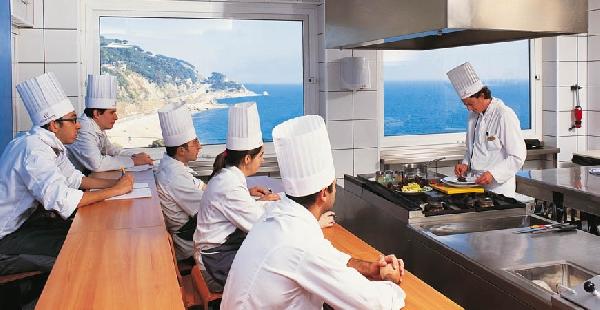 España: Becas para Maestría en Artes Culinarias Escuela Universitaria de Sant Pol