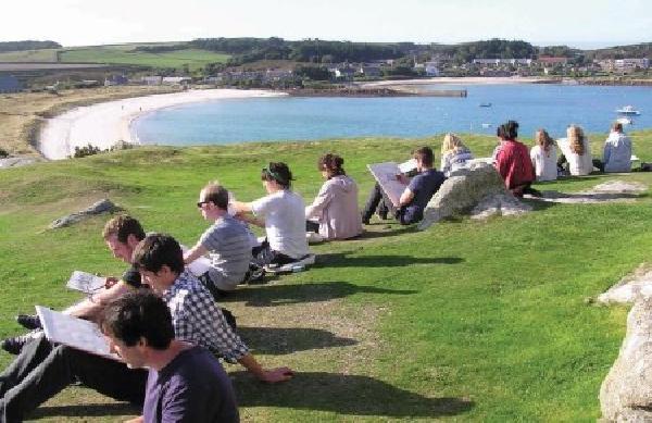 Reino Unido: Becas para Pregrado y Postgrado en Varios Temas Falmouth University