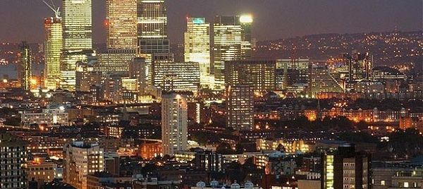 Reino Unido: Becas para Pregrado en Varios Temas Queen´s University Belfast