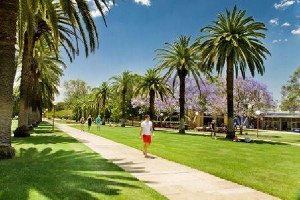 Australia: Becas para Doctorado en Ingeniería Civil y Química University of Queensland