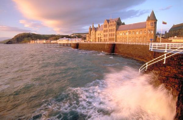 Reino Unido: Becas para Pregrado en Varios Temas Aberystwyth University