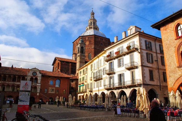Italia: Beca Maestría en Diversas Áreas Universidad de Pavía y  EDiSU