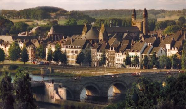 Holanda: Becas para Maestría en Varios Temas Maastricht University