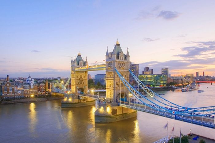 Reino Unido: Beca Pregrado en Diversas Áreas  Universidad  Middlesex