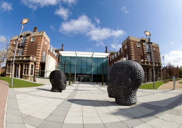 Reino Unido: Becas para Maestría en Administración de Negocios Hull University