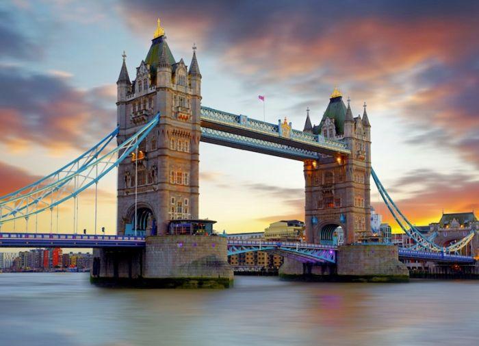Reino Unido: Beca  Pregrado y Maestría en Diversas Áreas  CRL