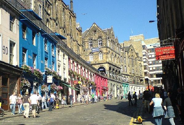Reino Unido: Becas para Doctorado en Varios Temas University of Edinburgh