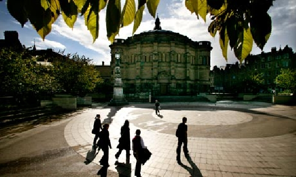 Reino Unido: Becas para Pregrado en Psicología  BPP University