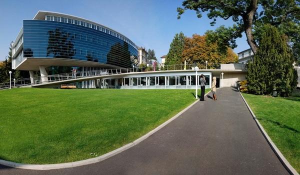 Suiza: Becas para Maestría en Administración y Negocios en Mercados Emergentes IMD College