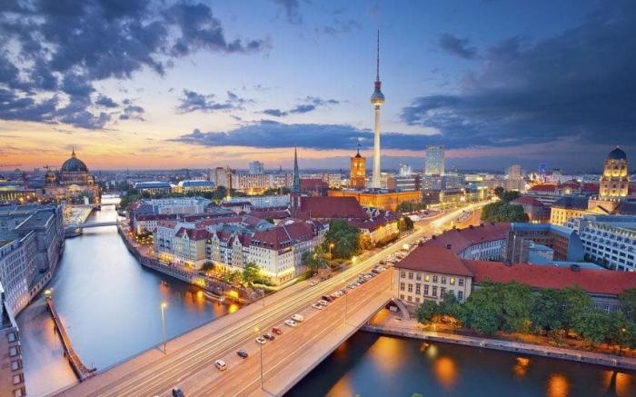 Alemania: Beca Maestría  para Mujeres en Administración de Empresas Escuela de Economía y Leyes de Berlín