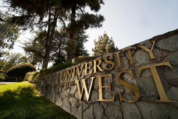 Estados Unidos: Becas para Pregrado y Postgrado en Varios Temas University of the West