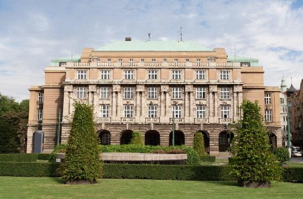 República Checa: 7 Becas para el estudio de Pregrado y Maestrías en varias áreas de estudio