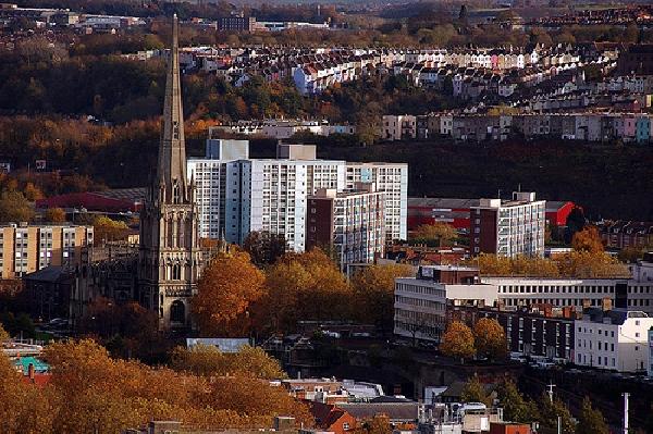Reino Unido: Becas para Maestrías en la Universidad de Bristol, varias áreas de Estudio