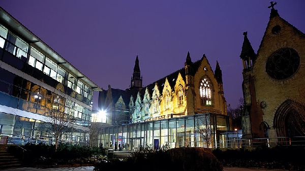 Reino Unido: Becas para Pregrado en Administración y Gerencia Leeds University Business School