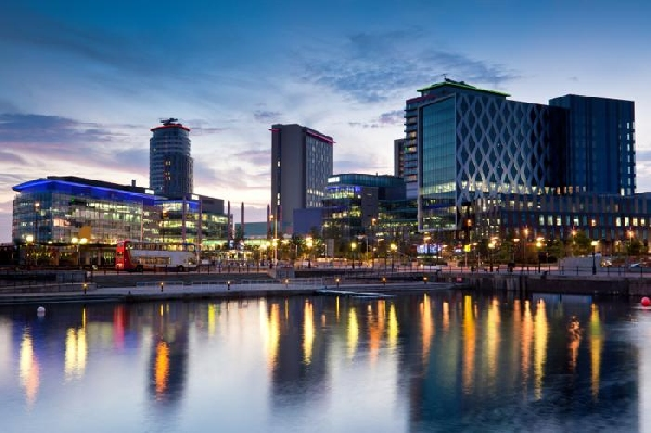 Reino Unido: Becas para Postgrado en Varios Temas Manchester Metropolitan University